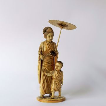 Picture of LADY WITH CHILD, PARASOL AND SUNFLOWER
