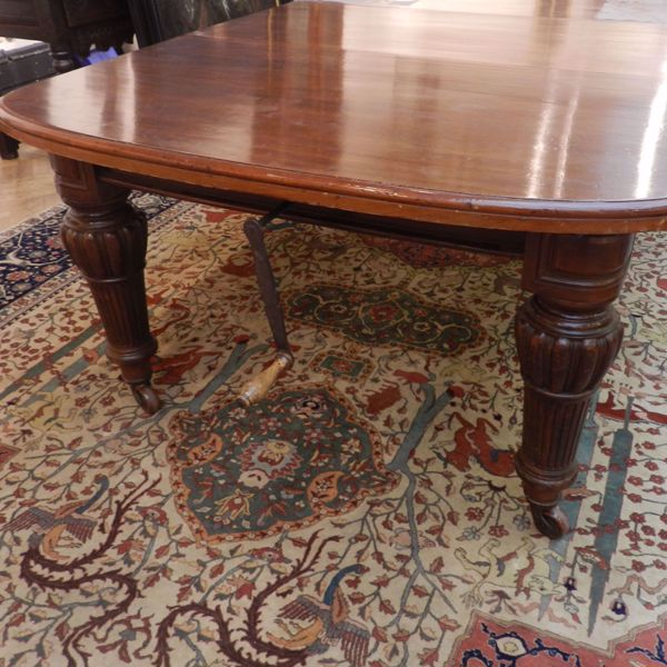 Picture of LARGE EXTENDABLE TABLE
