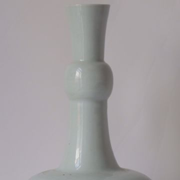 Picture of SPHERICAL VASE WITH SLENDER NECK
